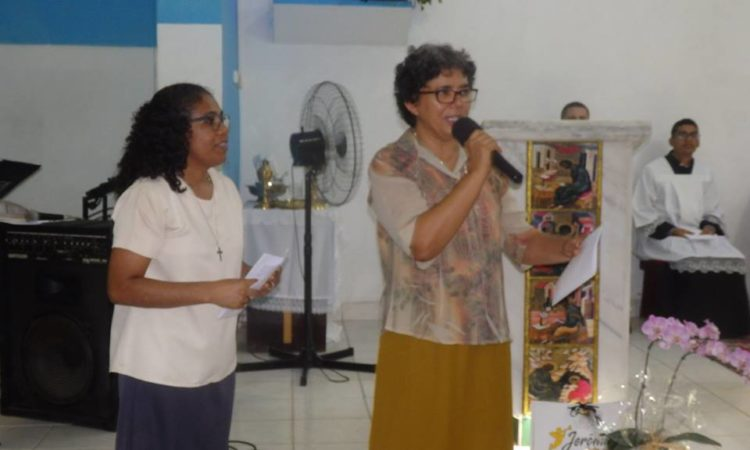 Sr Jane Luiz Bernardo est présentée par la Supérieure
