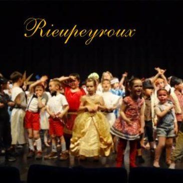 Fête de l'école Sainte-Famille à Rieupeyroux