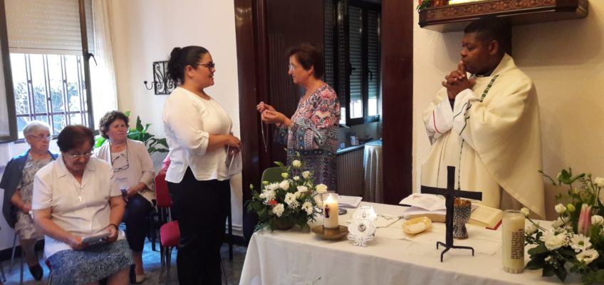 Remise de la médaille des postulante à Griselda FLORENTIN