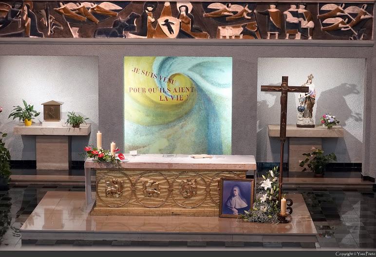 L'autel décoré à la chapelle Ste Emilie de Rodat