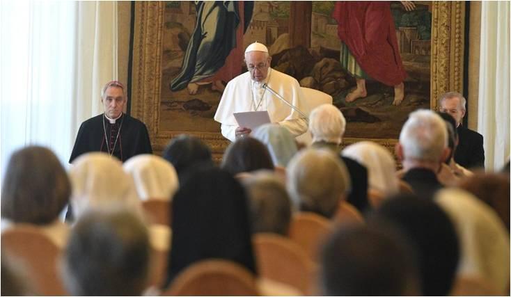 Le Pape François s'adressant à l'UISG