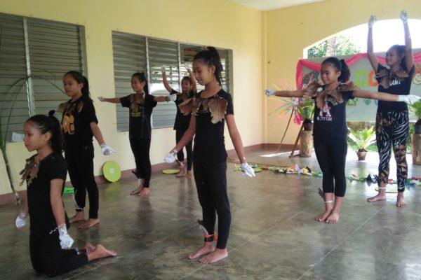 Une nouvelle danse sur la Création dans une autre ethnie