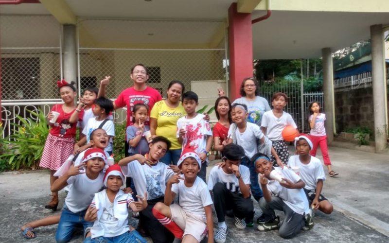 Des enfants ou des amis du Père Noël ?