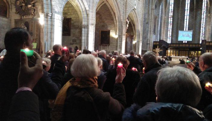 Une foule innombrable à la messe célébrant la Vie Consacrée