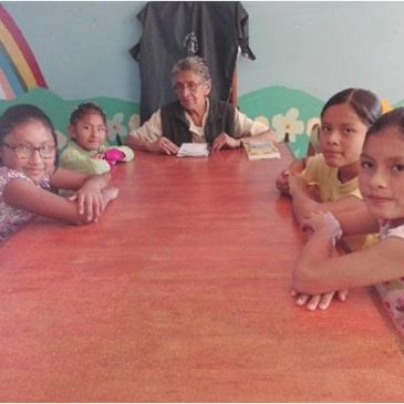En Bolivie, s'occuper des enfants confinés et continuer à faire tourner la maison (Fr/Esp)