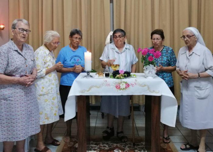 âques est célébré en communauté