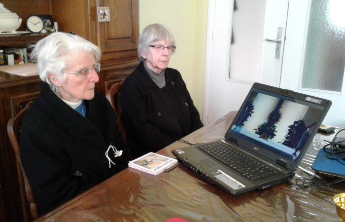 Sr Marthe et Sr Liliane assidues aux prières en ligne