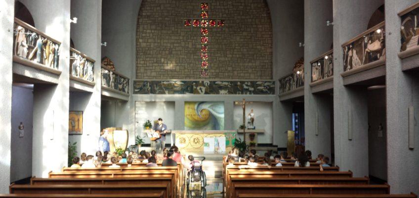 La chapelle Sainte Émilie de Rodat avec les enfants