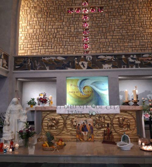 Autel décoré en l'honneur de Sainte Émilie